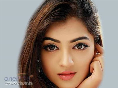 bollywood actresses with eye problems nazriya nazim to enter bollywood filmibeat