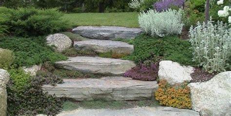 giardino di sassi arredare il giardino con sassi e pietre i consigli di