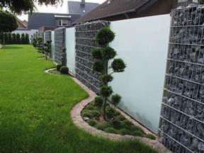 sichtschutz aus glas für terrasse chestha dekor zaun stein