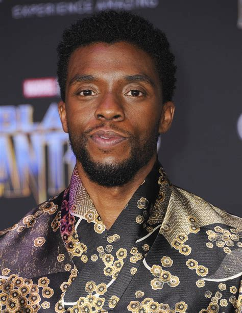 chadwick boseman chadwick boseman is feeling himself at black panther premiere