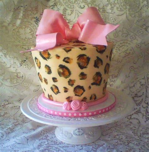 leopard birthday cake leopard print birthday cake for friend cakecentral com