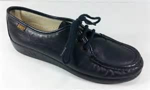 sas comfort shoes sas tripad womens size 6 n navy blue siesta classic lace