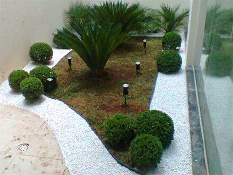 jardim decorado pedras e grama cal 231 adas grama e pedra constru 231 227 o e decora 231 227 o