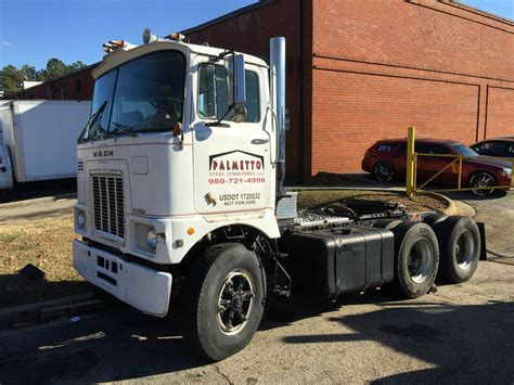used mack trucks used 1975 f series mack cab over day truck vin