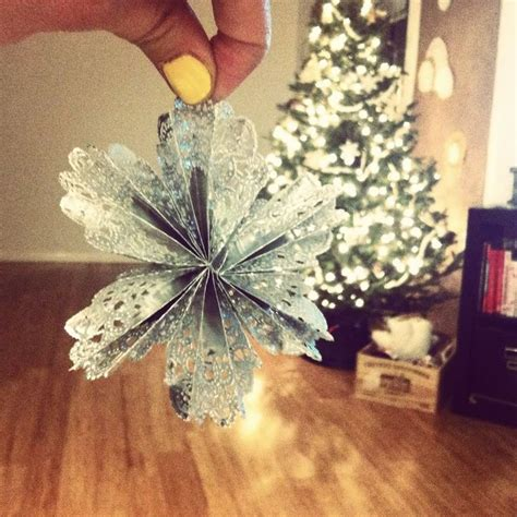 doily christmas ornaments christmas crafts pinterest