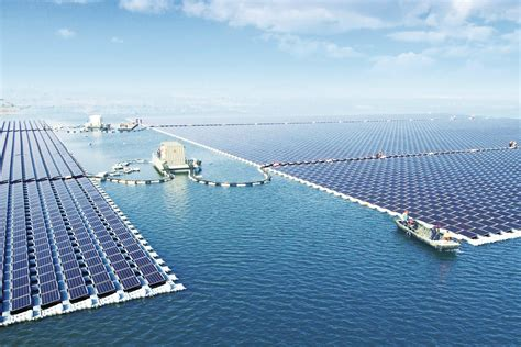 world s the world s largest floating solar power plant just went