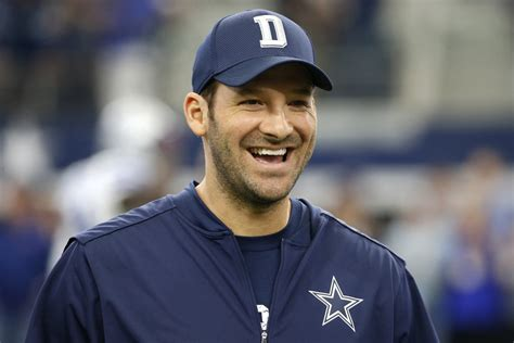 tony romo tony romo will reportedly retire to go into broadcasting 215sport