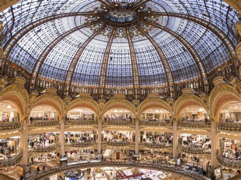 Sale Time At Galeries Lafayette by Galeries Lafayette Shopping In Chauss 233 E D Antin