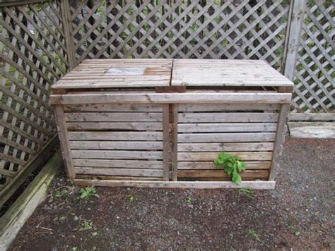 backyard composting bin backyard compost bin patterns choosing a bin food first nl