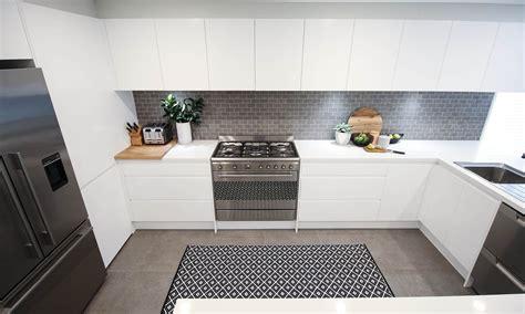 Kitchens ? Life's Tiles