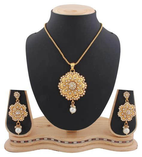 gold pendant necklace designs trends for gold necklace