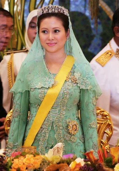 wajah sultan brunei masih ingat azrinaz mazhar bekas isteri sultan brunei