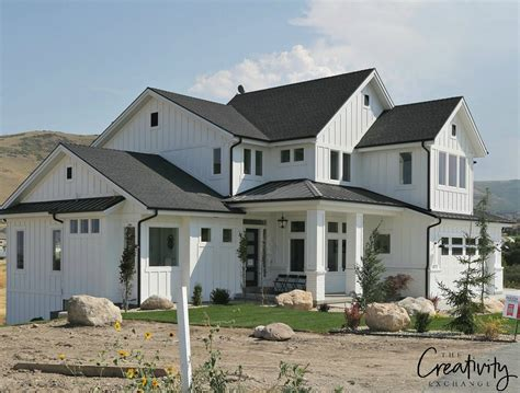 two story farmhouse how modern farmhouse exteriors are evolving