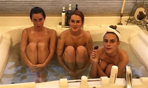 naked bathtub pictures sisters rumer scout and tallulah willis enjoy group bath