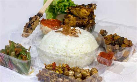 Nasi Kotak Paket Keren Ayam Goreng Serundeng pesan nasi kotak di bali mulai dengan harga rp 17 500