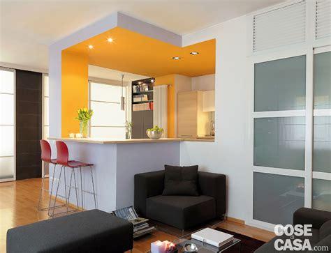 vetrate casa vetrate scorrevoli dividono gli ambienti nella casa di 85