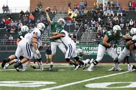 Mba Dartmouth Vs Yale by Valley News Fall Classic Big Green Stages Historic Comeback