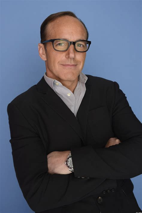 clark gregg leaving shield marvel s agents of s h i e l d abc orders series from