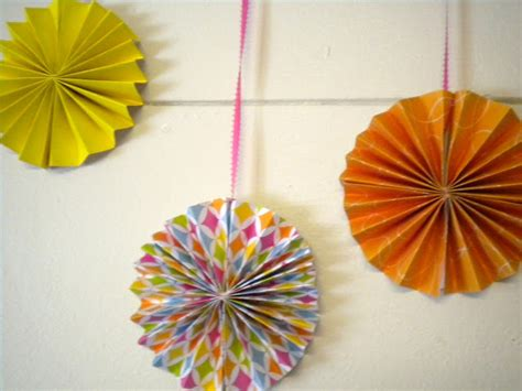 How To Make Hanging Paper Fans - paper fans 35 how to s guide patterns