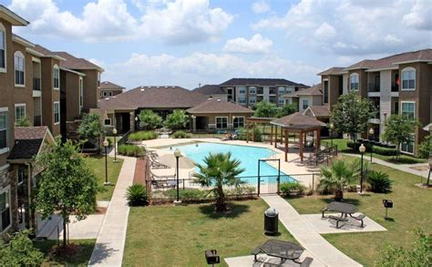 bayview appartments bayview apartments baytown tx walk score