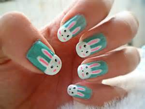 cute easy nail designs with strawberry motif pictures to