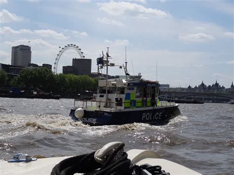 Thames River Boat Accommodation | tidal river thames through london