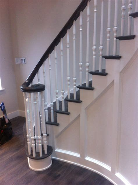 traditional cut traditional curved cut string staircase