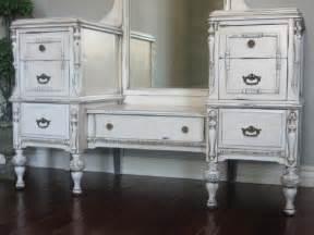 White Bedroom Vanity With Mirror White Antique Bedroom Vanity With Mirror Mixed Framed Wall