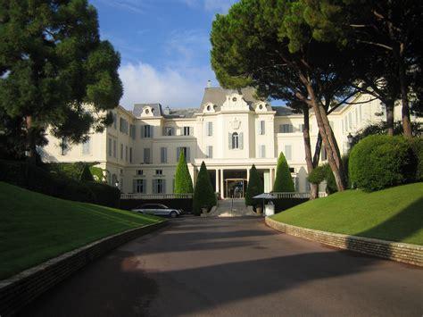 hotel du cap file hauptfassade hotel du cap jpg wikimedia commons