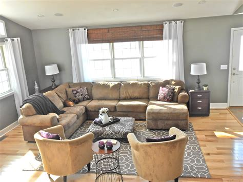 what color goes with brown furniture living room colors that go with grey