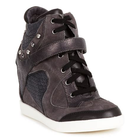 guess that sneaker guess huxley wedge sneakers in brown lyst