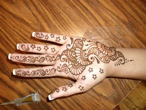 latest indian mehndi designs for kids hands 004 life n