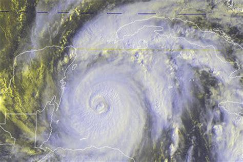 imagenes satelitales del huracan wilma el hurac 225 n m 225 s potente registrado en el at 225 ntico amenaza