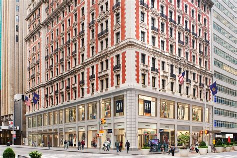 The Knickerbocker Hotel : Gentleman's Style