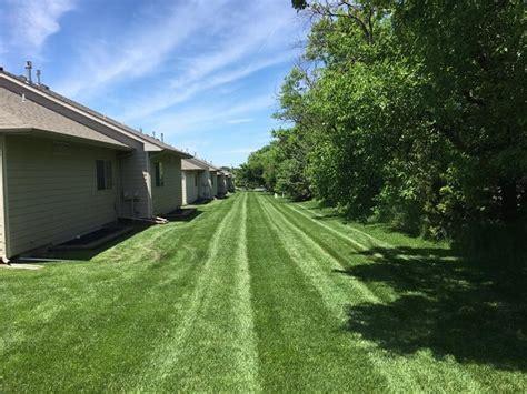 lawn care wichita ks top notch lawn care