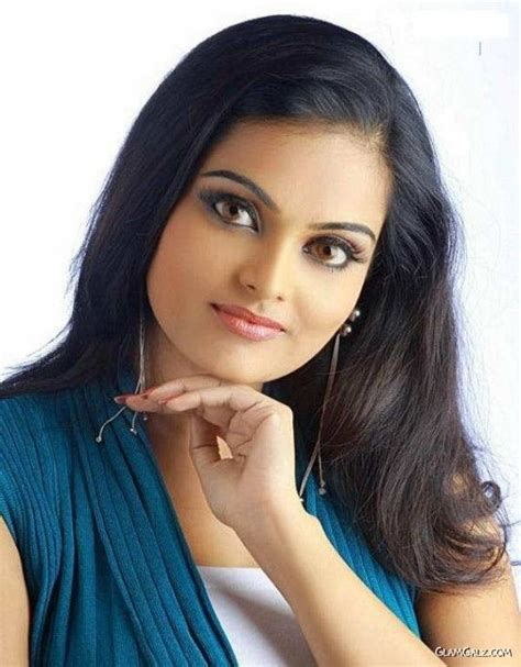 malayalam movie queen actor photos picture inns beautiful malayalam actress vishnupriya