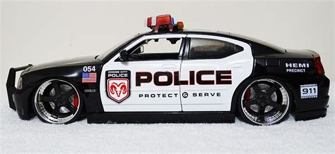 cars with lights and sirens custom 1 18 dodge charger car with working lights