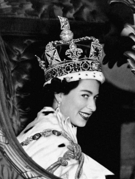 film of queen elizabeth s coronation queen elizabeth ii coronation jubilee the royal family