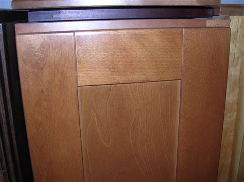 maple shaker cabinets spice maple shaker kitchen cabinets photo album