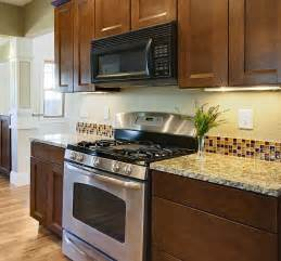 glass tile backsplash ideas kitchen