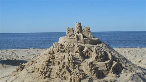 when is castle starting 2016 the sandcastle lady building in august september on