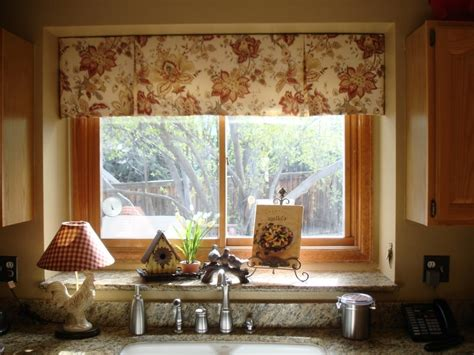 ideas for window treatments window treatment ideas for bay windows in living room