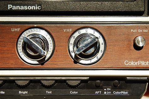 Tv With Knobs by A Tv W 2 Knobs Vhf Uhf Remember When