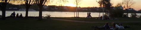 le crpuscule de la 2081375346 printemps promenade au crpuscule du soleil impressions entre la terre et l espace erien des avions