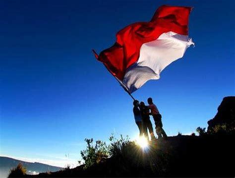 contoh resensi film merah putih galeri gambar bendera merah putih indonesia alfido com