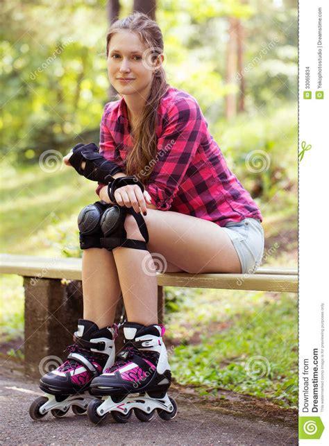 Bilder Schönes Leben by Sch 246 Nes M 228 Dchen Auf Rollerblades Stockbilder Bild 33065834