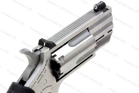 22 pug mini revolver american arms naa quot pug quot mini revolver 22 magnum 1 barrel new