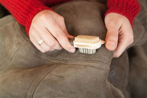 Perawatan Jaket Kulit Bahan Alami awet dan terlihat baru ini cara merawat jaket kulit