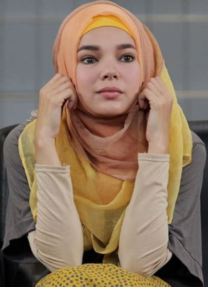 tutorial hijab turban ala artis 13 gaya fashion hijab ala artis terbaru 2018 model baju