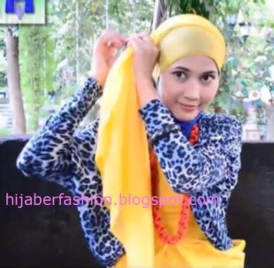 tutorial hijab segitiga ala fatin cara pakai hijab jilbab cara memakai jilbab modern ala fatin